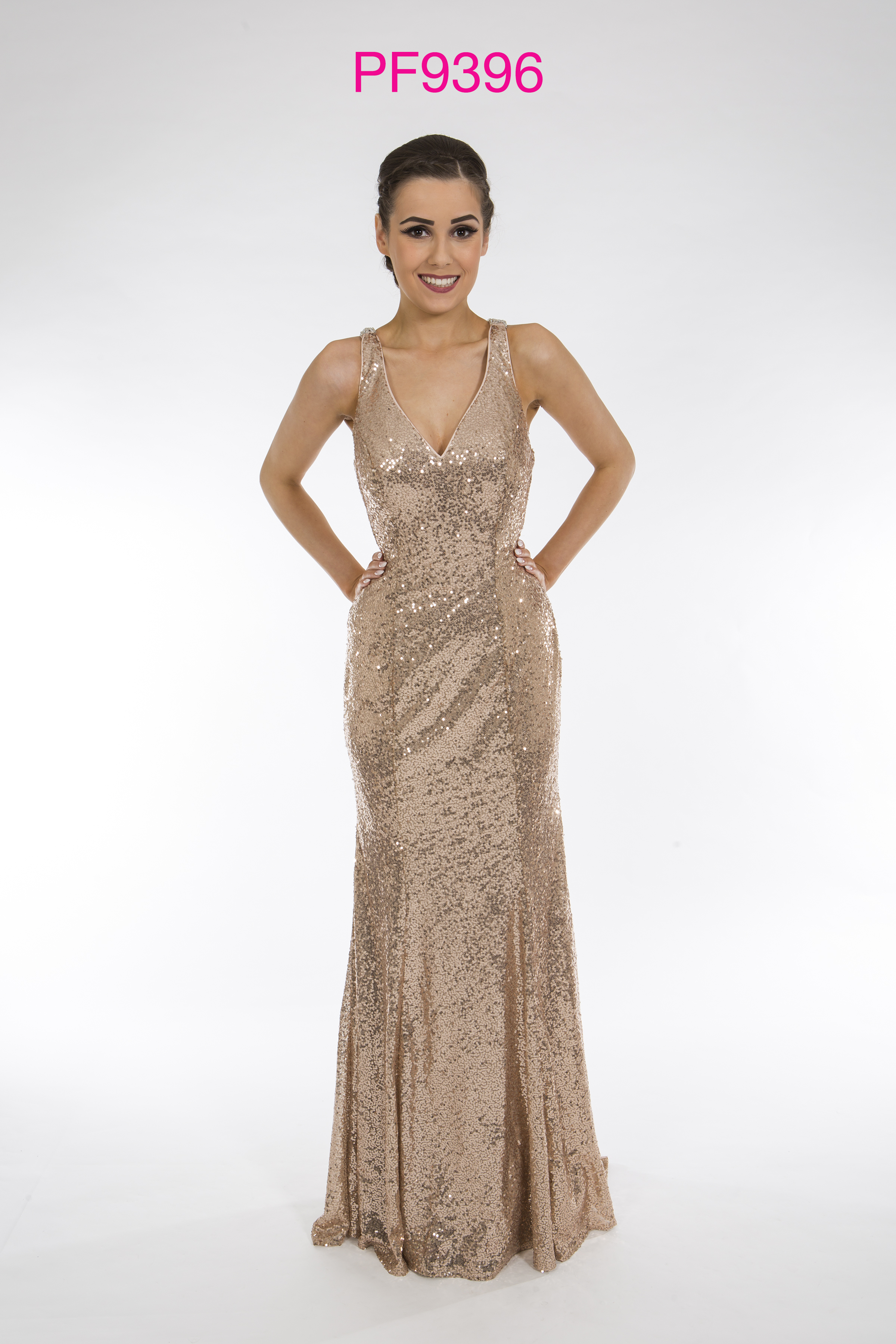 Look simply stunning in prom dresses from top fashion label Chi Chi London. Paypal and Visa Electron accepted. 10% off your first order.